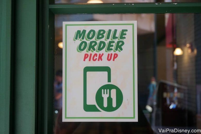 Com essa nova funcionalidade, alguns restaurantes permitem que você peça pelo celular e busque sua comida quando estiver pronta.