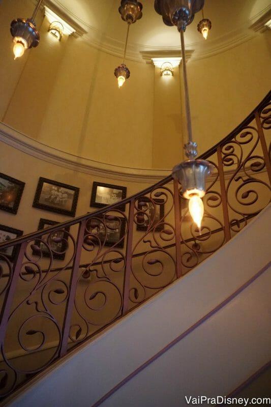 Escadaria pra chegar no Monsieur Paul.