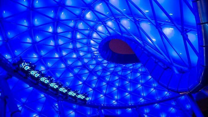 Novas atrações de Orlando - Nova montanha russa de Tron, toda modernosa