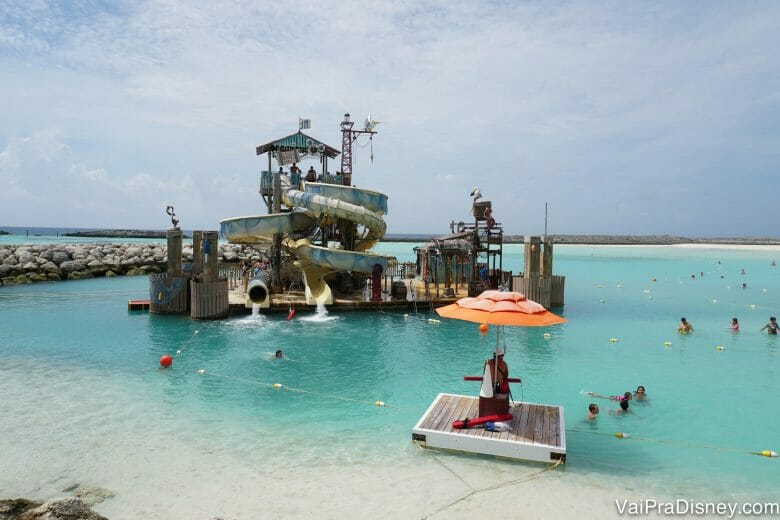 Amo Castaway Cay, mas os cruzeiros que passam 2 dias na ilha costumam ser bem mais caros.