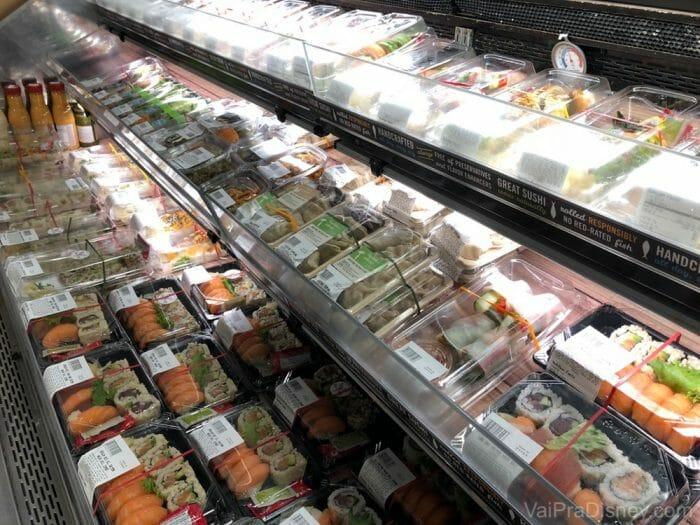 Sushi de supermercado é uma opção fácil e rápida de matar o desejo!