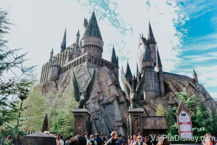 O castelo de Hogwarts é uma das melhores coisas dos parques Universal!