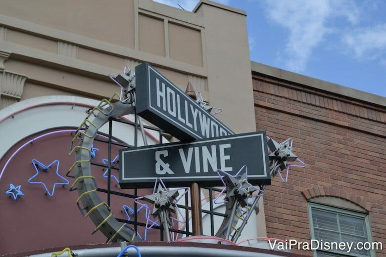 Plaquinha do Hollywood & Vine.
