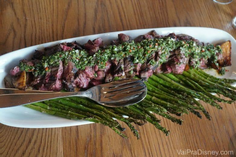 Sério, essa carne é maravilhosa e dá pra várias pessoas! Se fosse pra escolher um prato, escolheria esse aqui!