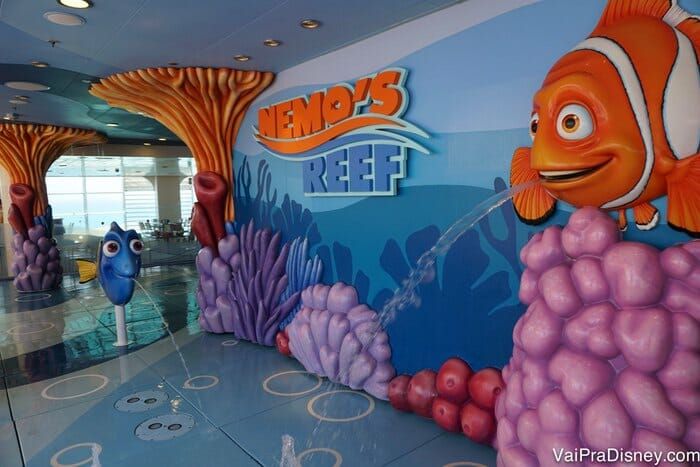 O Nemo's Reef existe no Disney Fantasy e no Disney Dream.