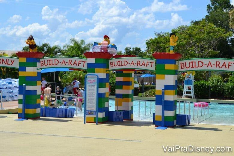 Apesar de eu achar muito pequeno para um parque aquático, se você for ao Legoland Water Park com a expectativa certa, ele é bem bonitinho.