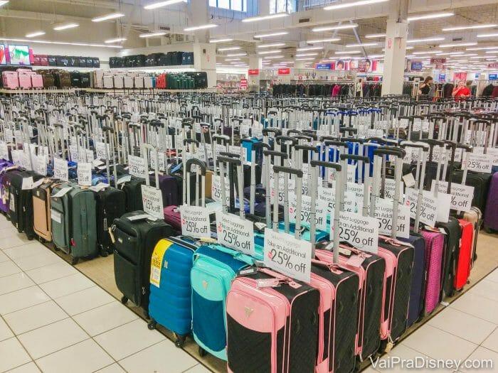 Comprar malas nos EUA geralmente vale muito a pena também!