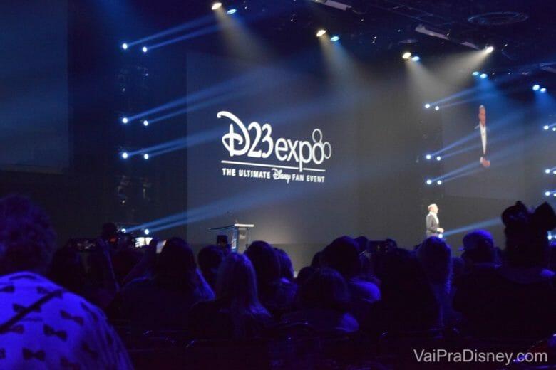 Bob Iger, CEO da Disney, no principal evento onde a Disney divulga suas novidades.