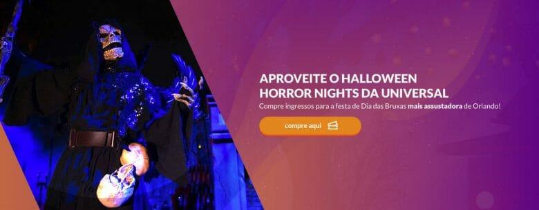 """Foto do site VPD Travel com o texto """"Aproveite o Halloween Horror Nights da Universal"""" em um fundo roxo, com a imagem de uma """"morte"""" ao lado"""