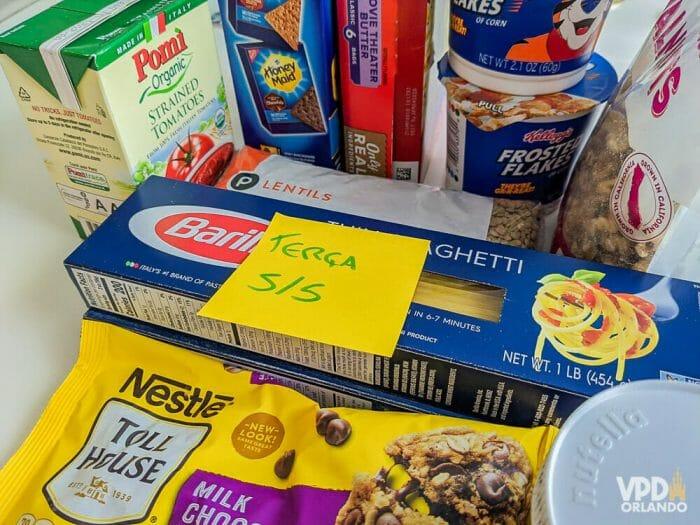 As compras do supermercado em quarentena